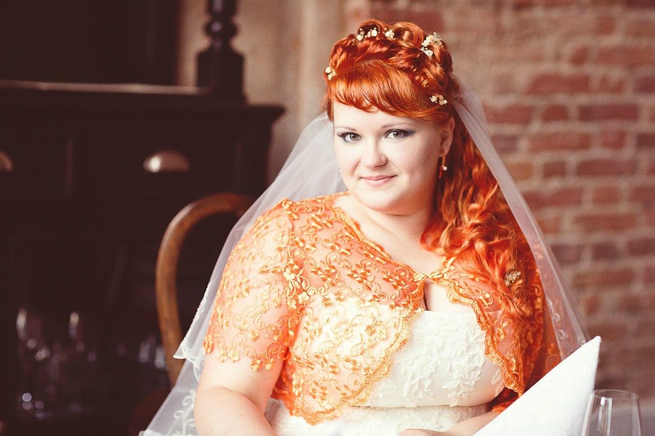 Свадебная прическа с помощью накладных волос После
